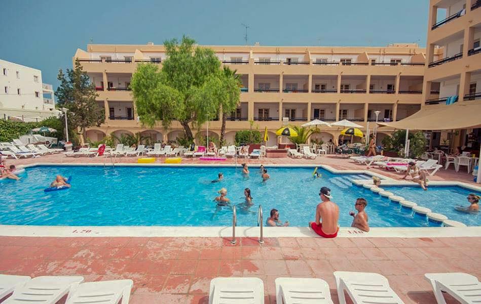 Ibiza Accommodation (3 of 5)